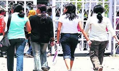 Kerala college restricts girls wearing jeans tees | MyTelangana.com